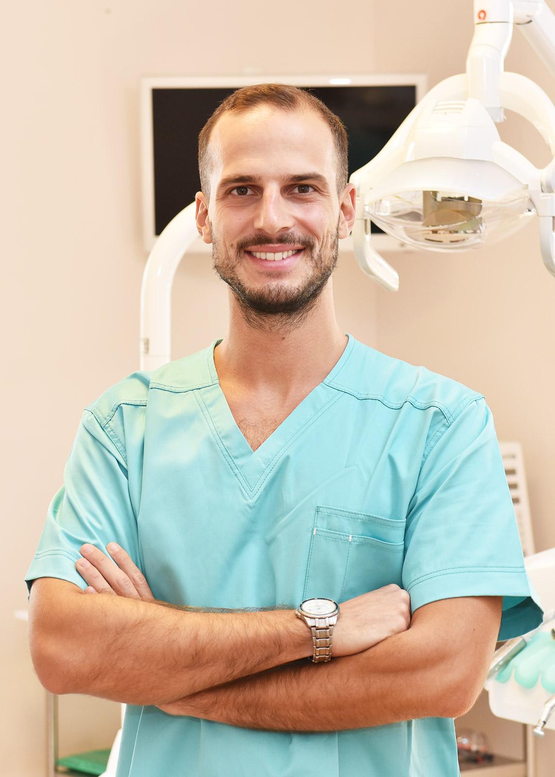 Dott. Alessandro Timo - Odontoiatra