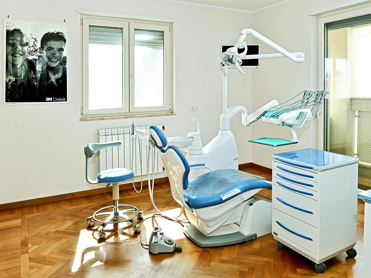 Studio Dentistico Mesagne (Brindisi) - Dott.ssa Annalisa Dellimauri